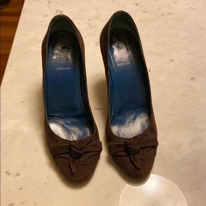 Fendi brown suede heels. Size 39.